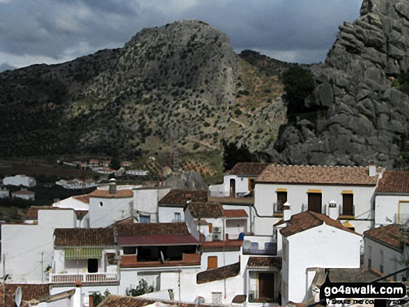 From Montejaque the GR7 goes northeast up the zig zags toward Ronda - on the southern end of the GR7