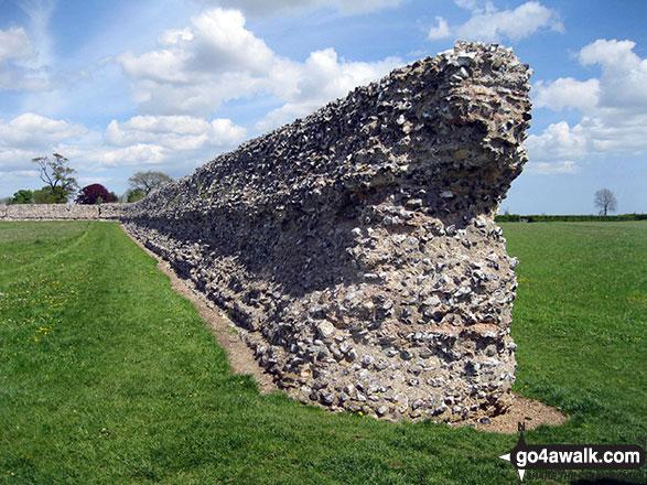 Walk nf115 Breydon Water from Burgh Castle - Burgh Castle Roman Fort