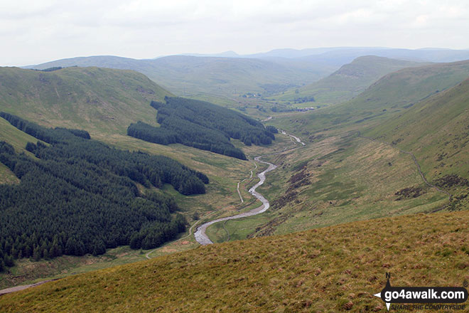 Ashtead Fell (left), Borrowdale (Borrow Beck) and Whinash (right) from the summit of Winterscleugh