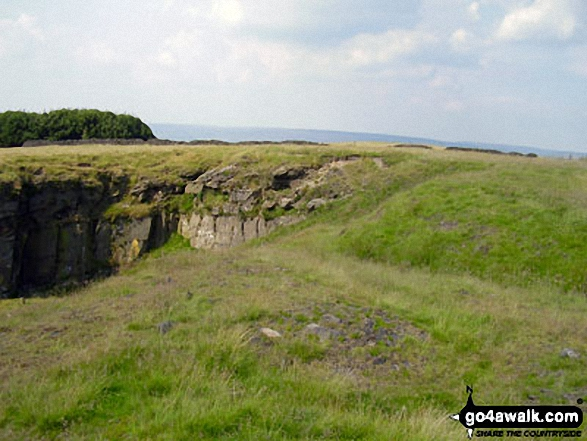 On Cown Edge Rocks. Walk route map d171 Lantern Pike and Cown Edge Rocks from Hayfield photo