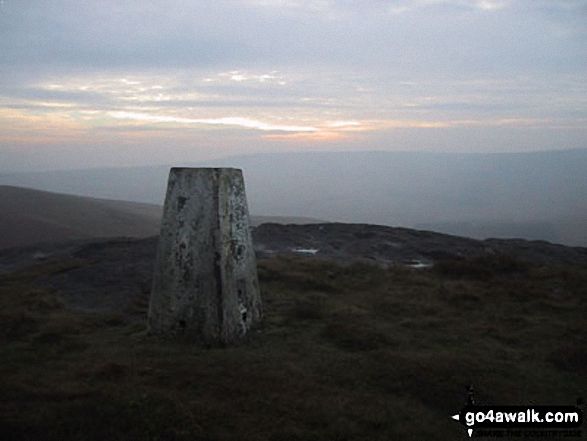 Walk Picture/View: Bowland Knotts (Crutchenber Fell) in The South Pennines & The Forest of Bowland, Lancashire, England by Robert Hall (4)