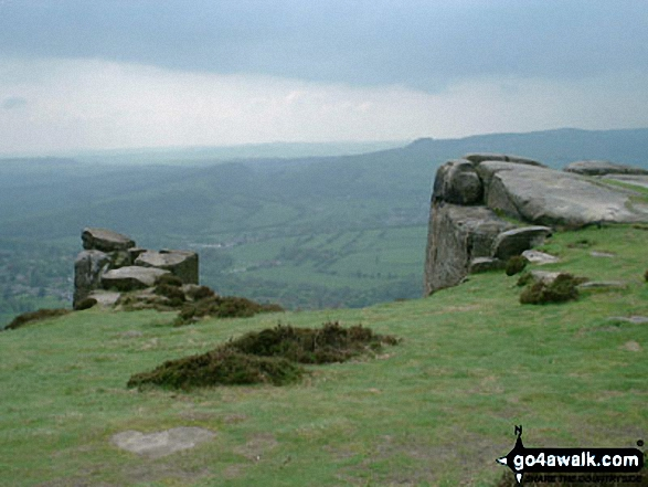 Views from Froggatt Edge and Curbar Edge. Walk route map d139 Froggatt Edge, Curbar Edge, The Derwent Valley and Grindleford from Hay Wood, Longshaw photo