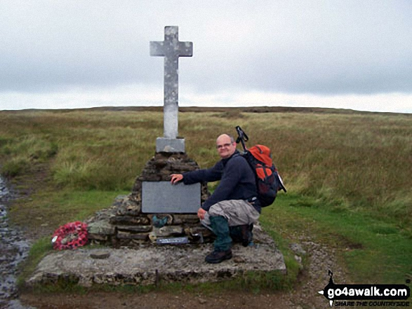 The Fox Memorial on Buckden Pike. Walk route map ny137 Buckden Pike via Buckden Beck from Buckden photo