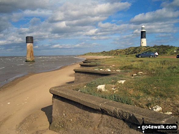 Walk ey119 Spurn Head from Kilnsea - The old and newer lighthouse, Spurn Head