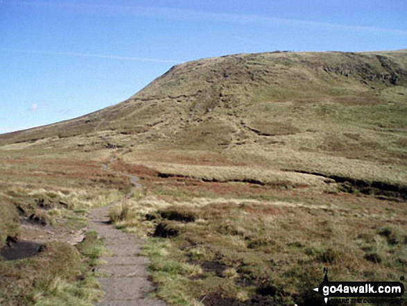 The Pennine Way where it climbs up to Kinder Scout from Mill Hill (Ashop Head). Walk route map d320 Mill Hill from Birchin Clough photo