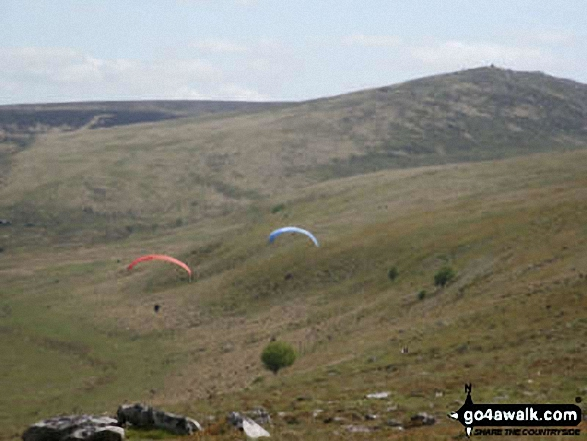 Hang Gliders from Oke Tor
