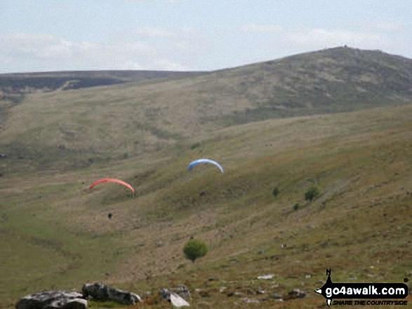Walk de143 Steeperton Tor and Cosdon Tor from Belstone - Hang Gliders from Oke Tor