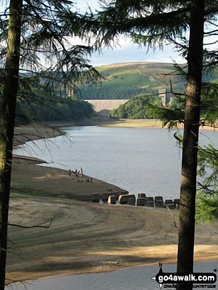 Howden Dam and Derwent Reservoir. Walk route map d260 Back Tor from Fairholmes Car Park, Ladybower Reservoir photo