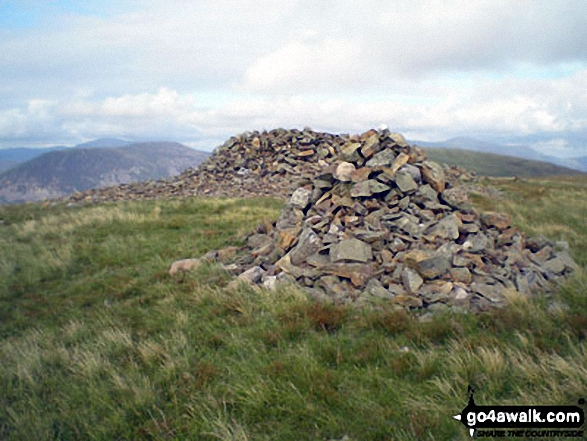 Grike summit cairn and shelter