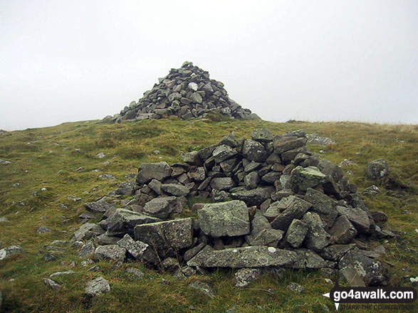 Cairns on the summit of Brae Fell