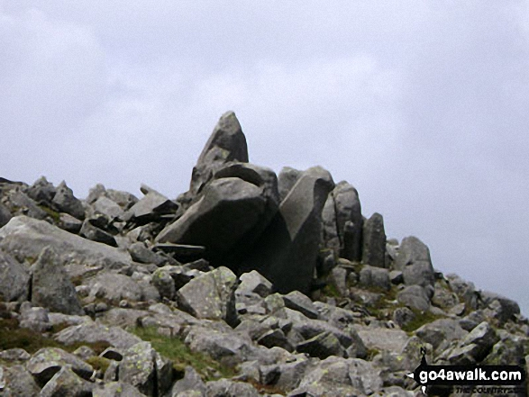 Walk c129 Crinkle Crags and Bow Fell from The Old Dungeon Ghyll, Great Langdale - Bow Fell (Bowfell) summit cairn