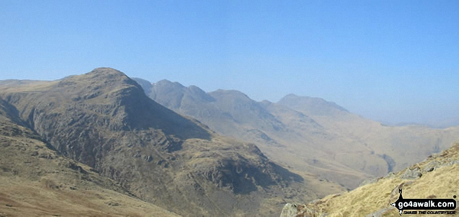 Great Knott, Crinkle Crags (South Top), Crinkle Crags (Long Top), Gunson Knott and Bow Fell (Bowfell) from Red Tarn (Langdale)