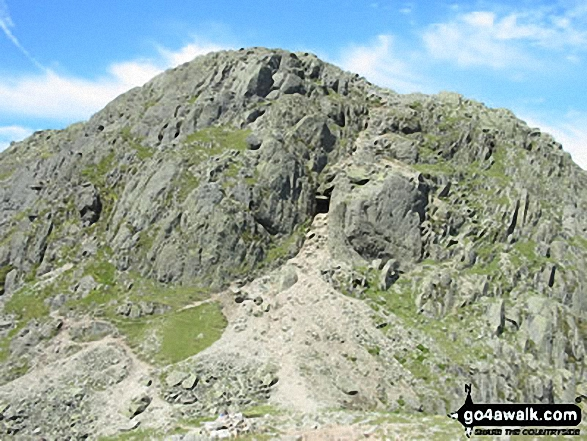 Crinkle Crags (South Top) and the infamous bad step from Great Knott