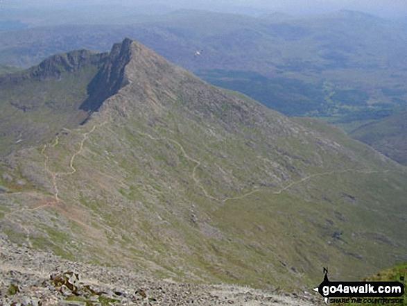 Y Lliwedd and the Watkin Path from Mount Snowdon (Yr Wyddfa). Walk route map gw186 Snowdon and Moel Cynghorion from Llanberis photo