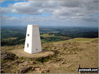 Walk Malvern (Worcestershire Beacon) walking UK Mountains in The Malvern Hills  Worcestershire    England
