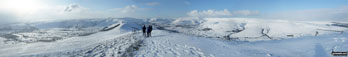 The Hope Valley (left), Mam Tor, The Vale of Edale and Kinder Scout (right) from Lose Hill (Ward's Piece) in arctic snow conditions